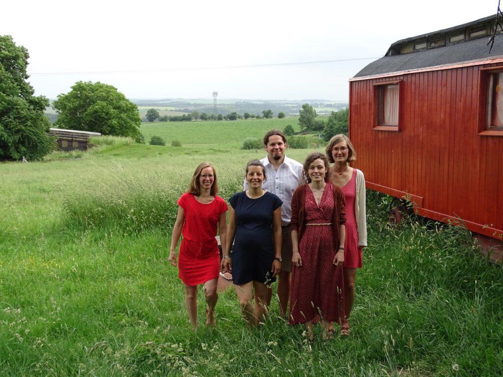 Das Team des Bauernhofkindergartens Mahlinki in Mahlitzsch Landkreis Nossen